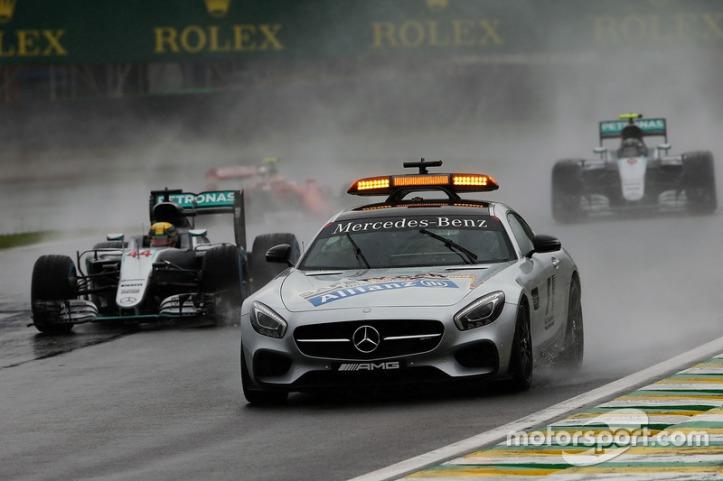 f1-brazilian-gp-2016-lewis-hamilton-mercedes-amg-f1-w07-hybrid-leads-behind-the-fia-safety