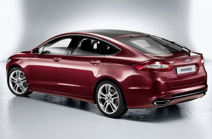 ford-mondeo-2013-03