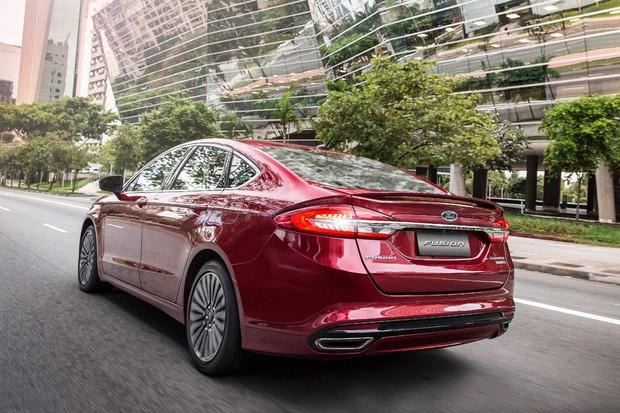 O Ford Fusion já praticamente se dirige sozinho...