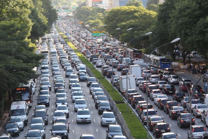 TRA  SÃO PAULO  28/03/2013       CIDADES TRÂNSITO   Trânsito na avenida 23 de Maio por volta das 17H . FOTO: JF DIORIO/ ESTADÃO