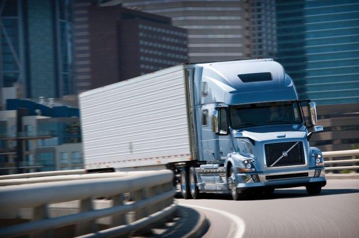 volvo-vnl-780-on-american-truck-simulator-4