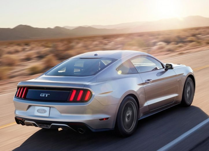 ford-mustang-gt-2015-12
