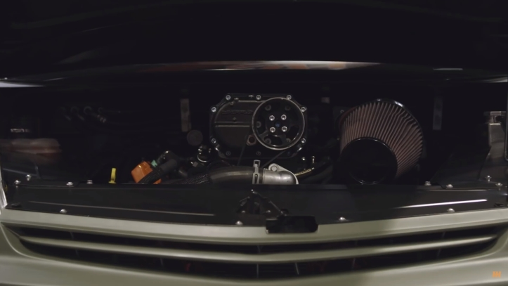 Prius V8 4